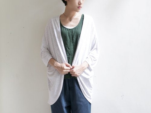 OMAKE soft curved drape coat / white X gray bar
