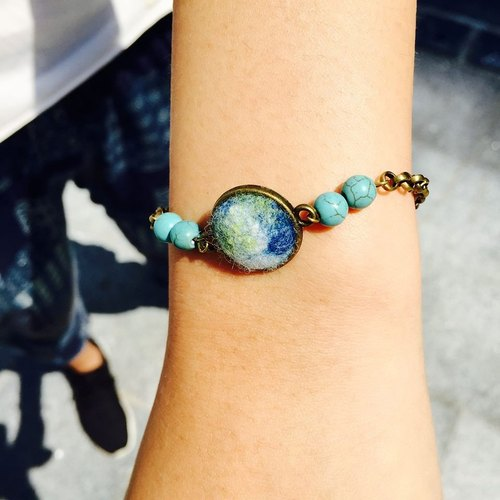 [Wool felt felt bracelet Earth]