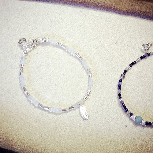 Natural stone series _ Moonlight whistle Moonstone Silver Bracelet