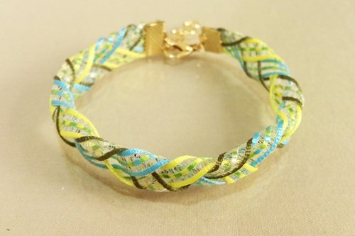 ~ Alley that ice cream shop - transparent ribbon woven bracelet - mint green tea ~
