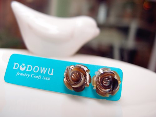 """DODOWU jewelry hand-made light"" [Rose carving elegant earrings stainless steel ear acupuncture allergy]"