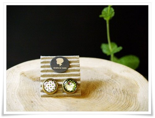OldNew Lady- small circular earrings series. Little green with cake