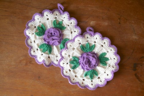 Crochet insulation pads {Vintage / Retro}