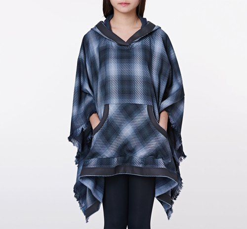 Check bristles within CA Oracle Cape handmade cloak gray grid