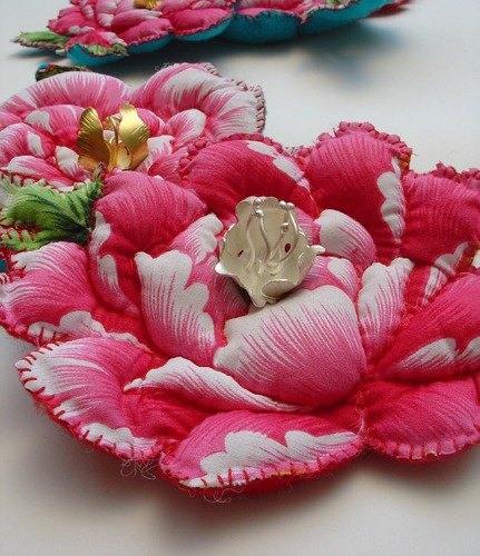 Old grandmother's new fashion ~ Qing Ye stunning art brooch Oriental Series, Christmas happiness!