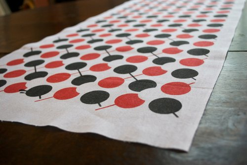 Towel dumpling Argyle (red × black)