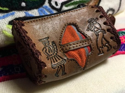 Peru-dimensional weaving stitching small leather purse - leather imprinted Totem (chullo)