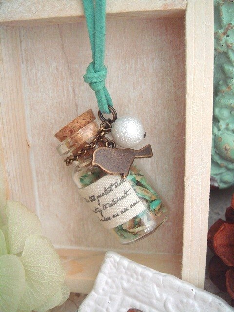 Garohands Dream forest dried flowers Wishing bottle feel long chain * mint green gift bird A287