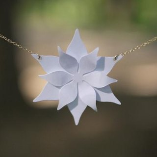 Paper Flower Necklace 01