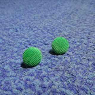 Green light green cloth button earrings C22BT / UZ53
