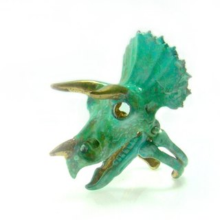 Triceratops skull Ring in brass with green patina  color ,Rocker jewelry ,Skull jewelry,Biker jewelry