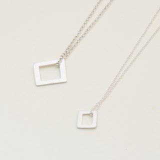 Frame in Pair Necklace