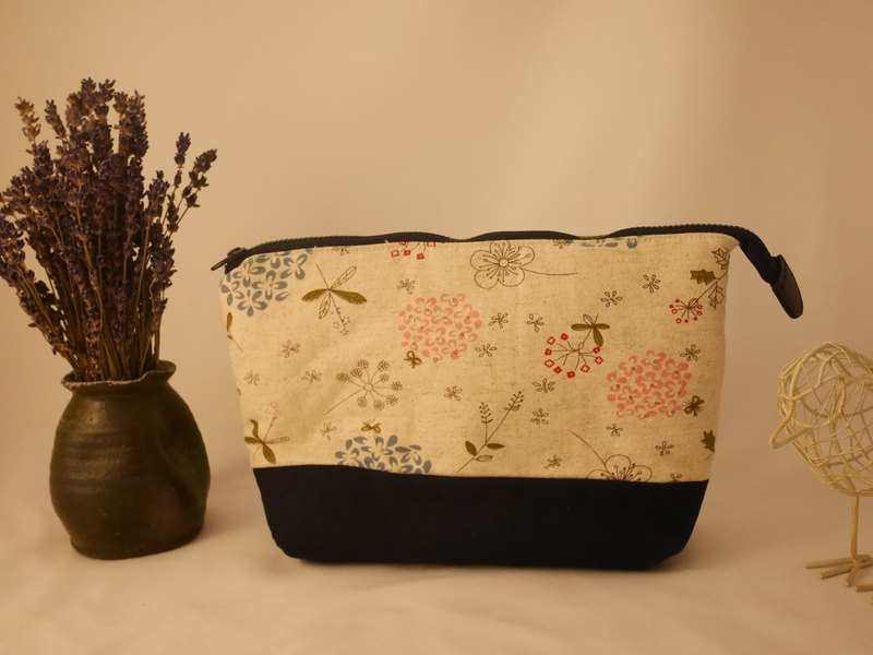Autumn day whisper flower dark blue cosmetic bag / sundries bag