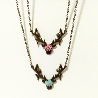 {Lulu * jade deer *} Hands Vintage texture necklace