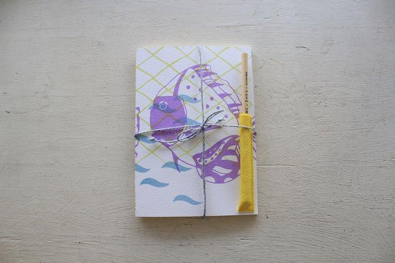 【ZhiZhiRen】厵 | 車縫線筆記本 - 旗津補魚 - 神仙魚