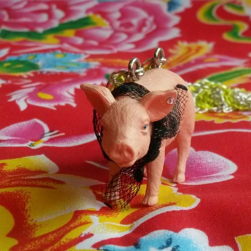 SCARF pig wearing necklace