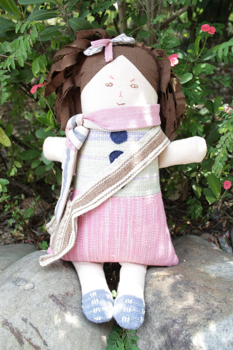 Karen traditional dolls, limited edition of traditional hand-woven, handmade, organic cotton, natural dye, hand-woven, traditional construction method, vegetable dyes, organic, dolls, dolls, toys, peace of mind, peace of mind dolls, puppets