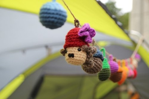 Amigurumi crochet: Camping ball, Colorful woolen ball, Pom Pom Garland, Chaplin