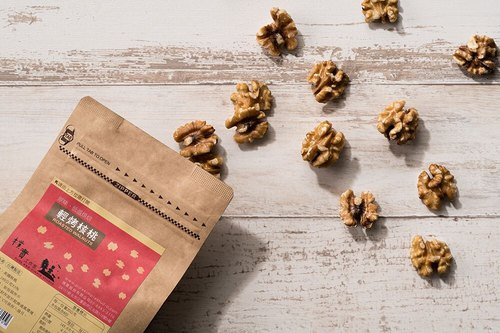 Light roasted walnuts - kraft paper bag 【simple studio】