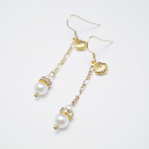 [Orange] MUCHU Mu Miss Pearl. Brass shells and Dangle pearl earrings PE011