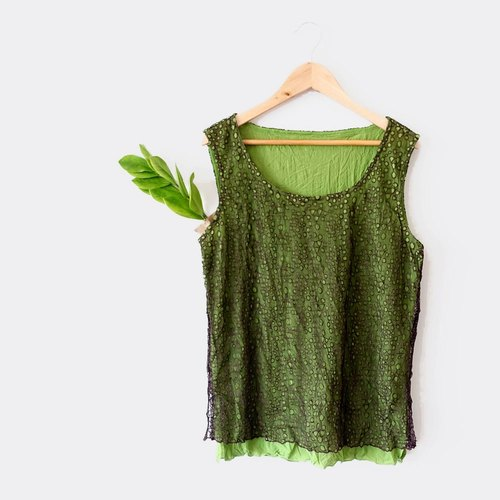BajuTua / vintage / X chocolate brown grass green tunnel mesh vest