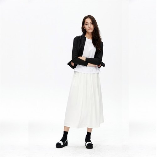 Pleated Long Skirt (white)