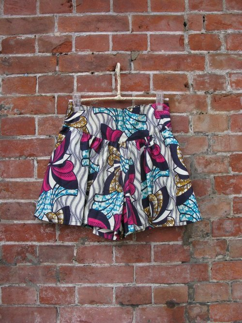 Yang Ga YOUNGA African fabric shorts skirt: Canned chicken seabed