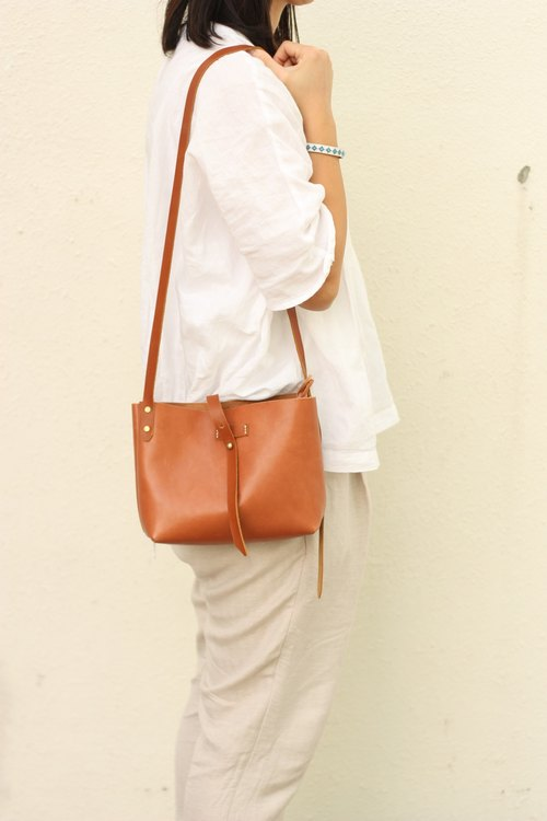 Minimalsite simple handmade oblique bag / shoulder bag