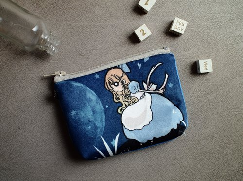 ZoeL * Mezzanine purse * Star Alice * Alice Alice own illustration