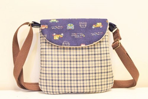 [Ten wooden meters. Lorenza] blue plaid retro car Flap Crossbody Bag