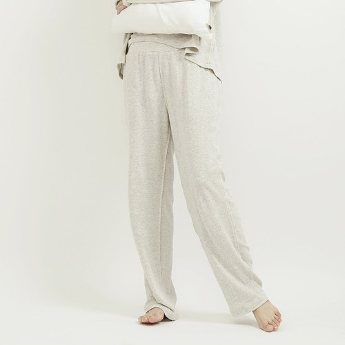 Plain white cotton knitted trousers already