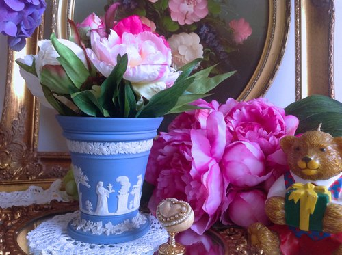 Anne Crazy Antiquities British Bone China Wedgwood Jasper Blue Jasper Relief Greek Mythology Series Vases, Penholder Mother's Day Gifts