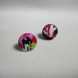(C) _ flora cloth button earrings random shipments [] C22BT / UY33