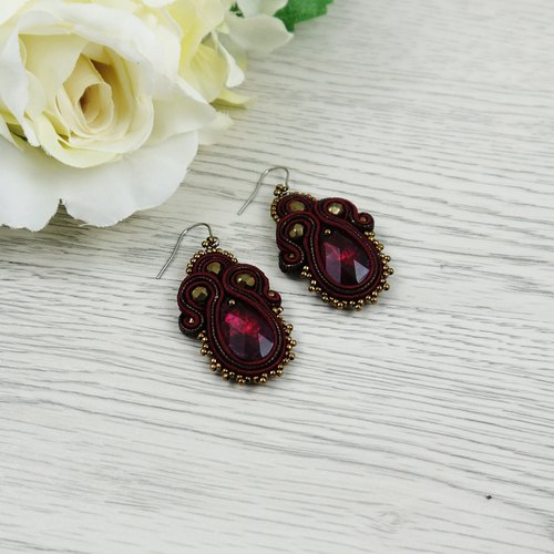 Hand-sewn SWROVSKI crystal earrings - classic Ruby