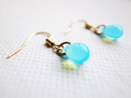 Mermaid tears earrings - light blue protein
