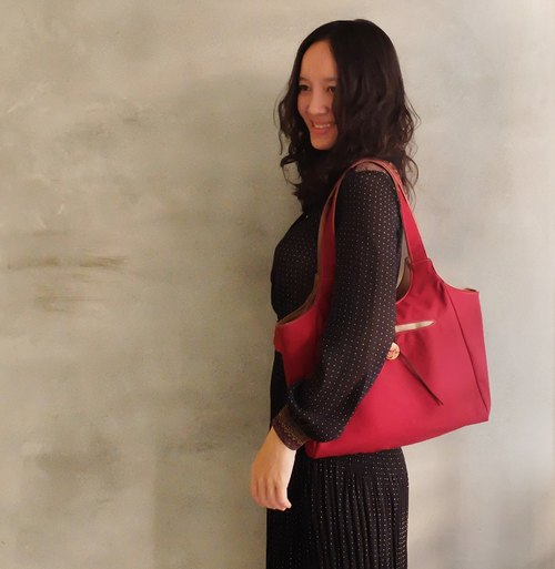 Eve sided single paragraph retro lady red canvas shoulder bag sealed documents skii red suede rope painted wooden buckle