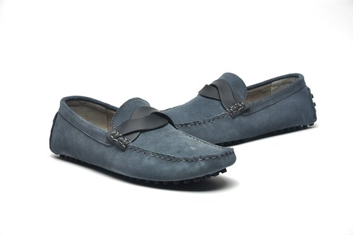 Hau Temple yield righteous yuppie style gray suede shoes Peas