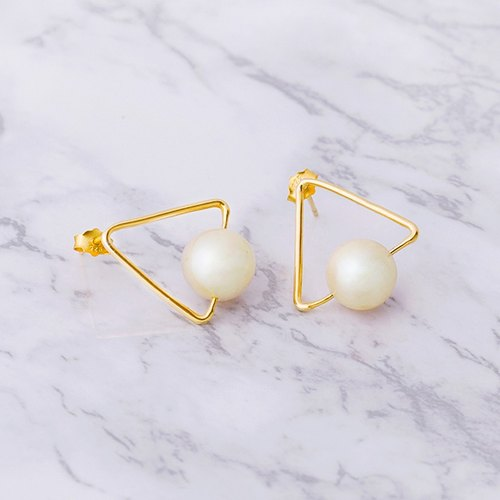 ESCA • natural freshwater pearl sterling silver earrings Pearl Jane