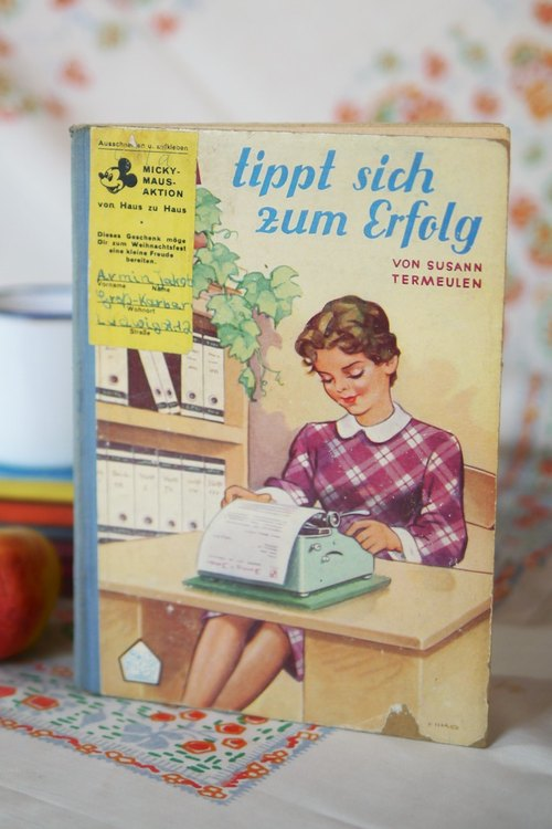 Old Children's Books retro} {Vintage ·