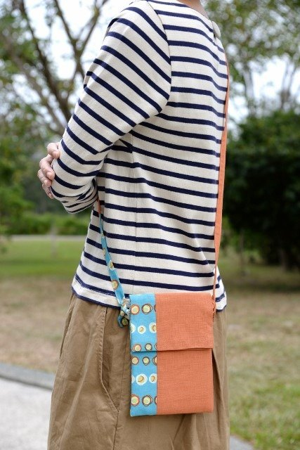 Feel a little oblique Bag - Orange Pop