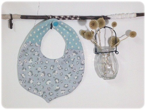 Spa smaller Panda :: small chestnut breathable bibs