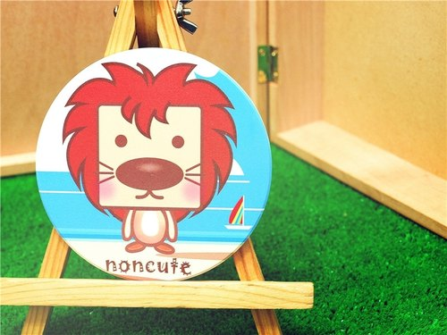 """Noncute‧ zoo"" water coaster - Lions snapped ‧ A Lion"