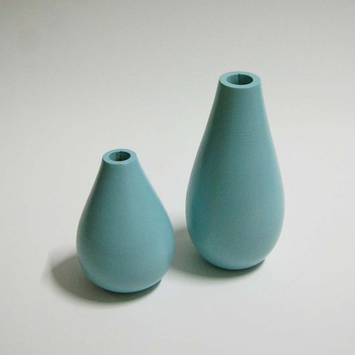 Set of 2 size Mango wood vase.