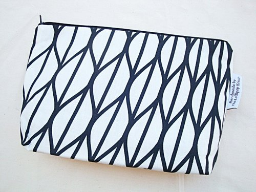 Zip Up Pouch Black & White Geometri