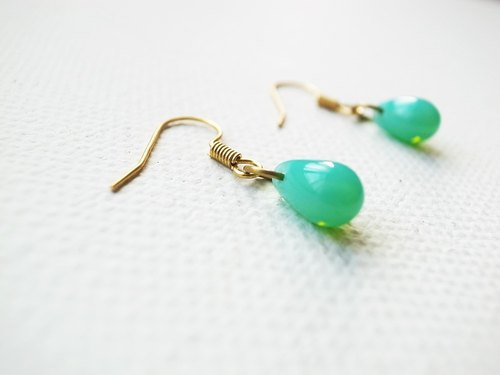 Mermaid tears earrings - Vintage green