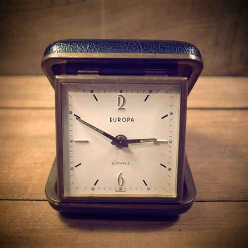 [Bones] early German system EUROPA mechanical clockwork Travel Alarm Clock Travel Clock Portable VINTAGE antique clock