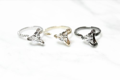 """Claw"" series 04- sterling silver rings, 18k white gold plated, 18k yellow, 18k black gold"