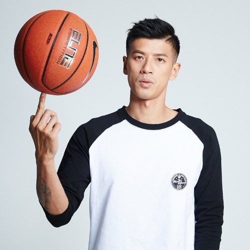 [Spokesman topic ° #MoreThanAGame] male models black and white T-seventh pick sleeve patch