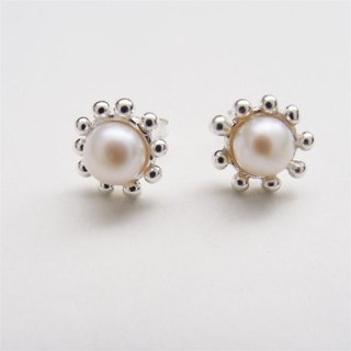 Sweet pearl sterling silver earrings