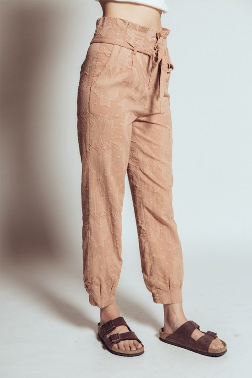 Ruffled casual trousers (brown)